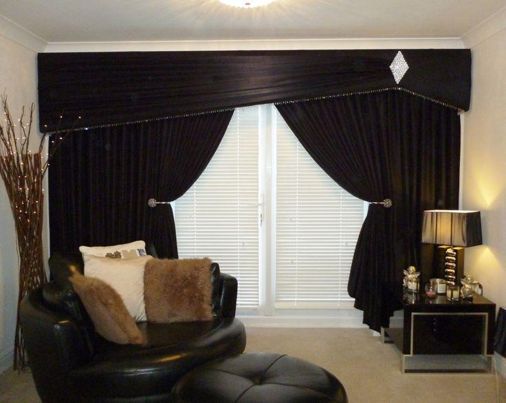 Shaped Pelmet and Curtains. Shooting Star design. www.handmadebymaria.co.uk