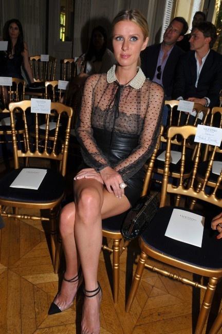 Nicky Hilton lors du défilé Valentino à Paris, le 4 juillet 2012.