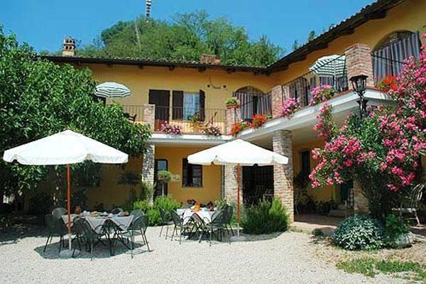 http://www.piemonteterradelgusto.com/agriturismo-bed-breakfast/agriturismo-in-piemonte.html