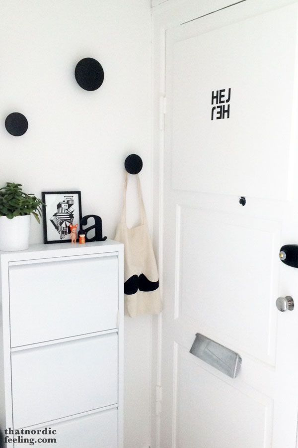Via That Nordic Feeling | Hallway | Black and White | Muuto the Dots