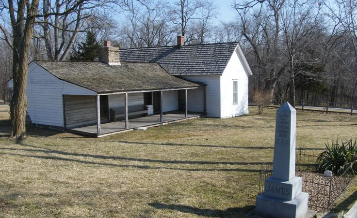 James Farm where Jesse and Frank grew up. Kearney, Mo. Original grave of Jesse (body moved to new location years ago).