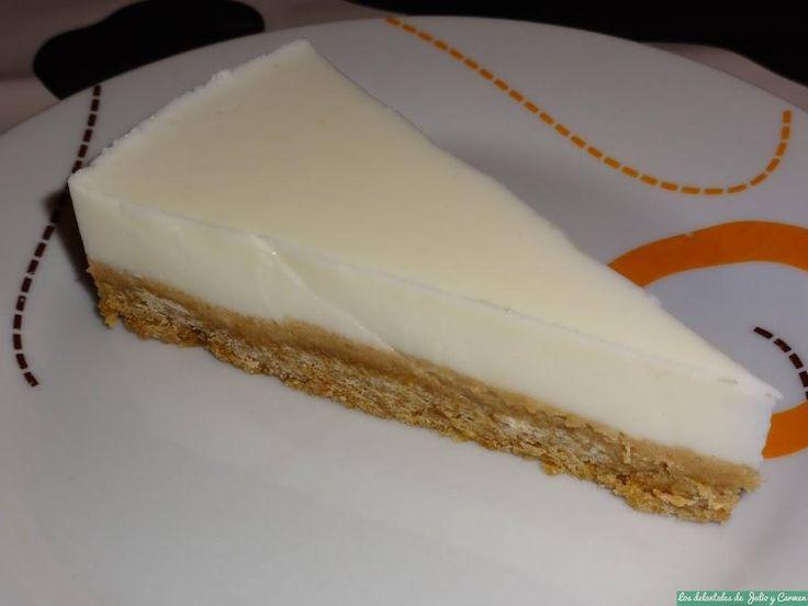 Tarta de yogur griego o cremoso y chocolate blanco. ¡Qué rica!
