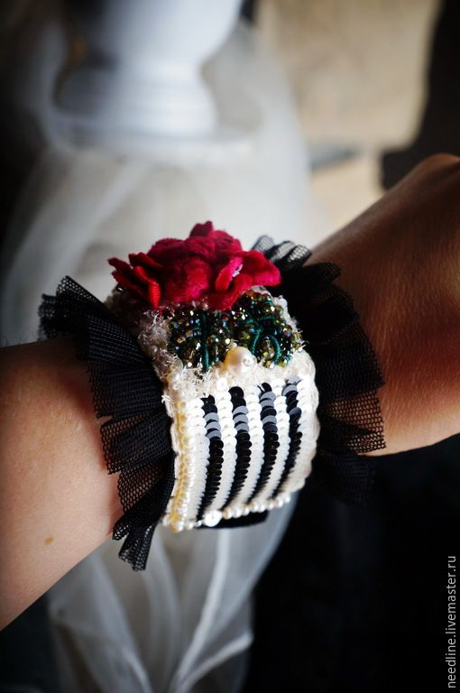 """Купить браслет """"Полоска, маки и мечты)"""" - разноцветный, вышитый браслет, ручная вышивка, авторская вышивка"""