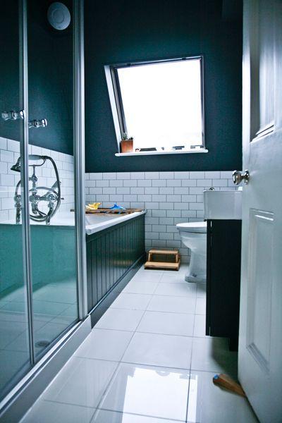 die besten 25 badewannenverkleidung ideen auf pinterest wei e wanne fliesen schwarz wei und. Black Bedroom Furniture Sets. Home Design Ideas