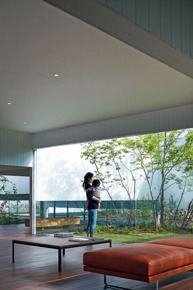 Gate Villa | lbaraki, Japan | Architects Makoto Takei and Chie Nabeshima | photo by Daici Ano
