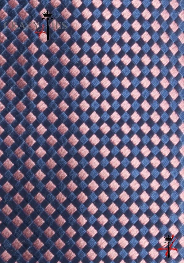Particolare Tessuto Cravatta in Seta Blu a Quadretti Rosa Tinta in Filo