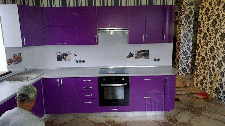 Фиолетовая кухня крашеный МДФ http://taburetti.kiev.ua/kuhni/fioletovaya-kuhnya-krashenyj-mdf/