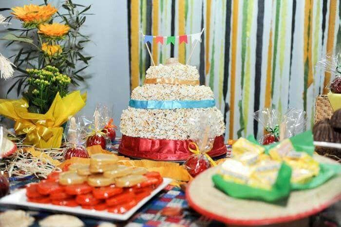 Mesa do bolo - Festa Julina