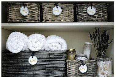paniers osier etiquetes pour rangement salle de bain1 Salle de bains. 26 idées pour un rangement anti casse tête
