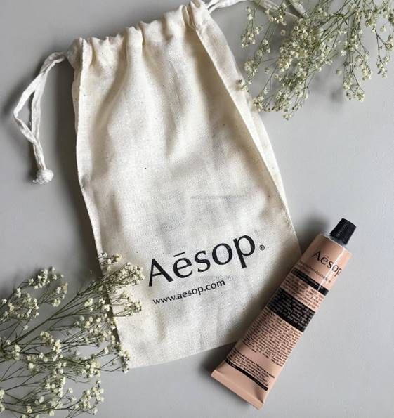 Just a tiny bit excited about being able to offer @aesopskincare products on Raw Beauty Studio!Regram @bunny.mommy#skincare #skin #beauty #aesop #aesopskincare #hands #face #healthy #flatlay #bblogger #bbloggers #rawbeautystudio