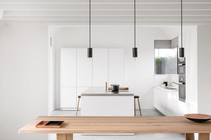 bulthaup - b3 keuken - witte lak - roestvrij staal - realisatie door k ...