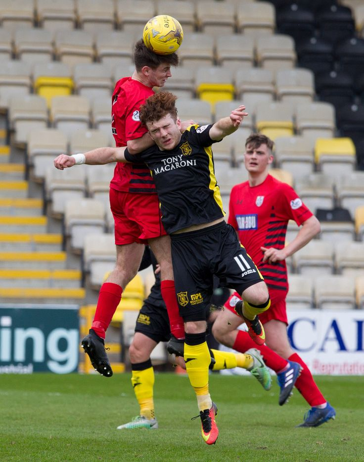 Queen's Park's Gavin Mitchell in action during the Ladbrokes League One game between Livingston and Queen's Park.