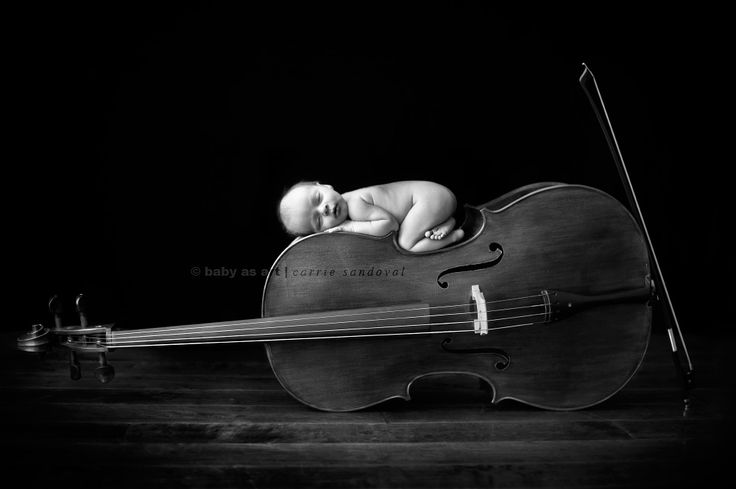 Baby and cello *-*
