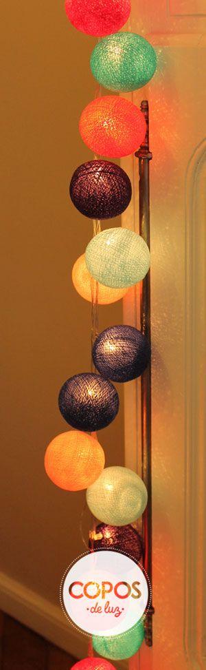Guirnalda de luz Mumbai. Bolas de hilo y luz artesanales. www.coposdeluz.com.ar #ColeccionCopos2014 #GuirnaldaMumbai