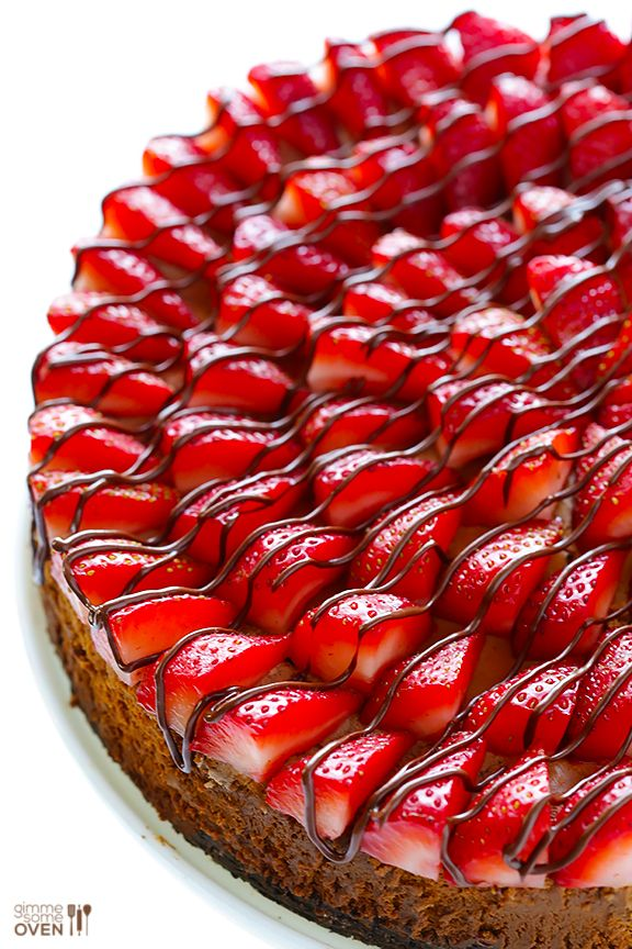Strawberry Nutella Cheesecake #recipe from @gimmesomeoven