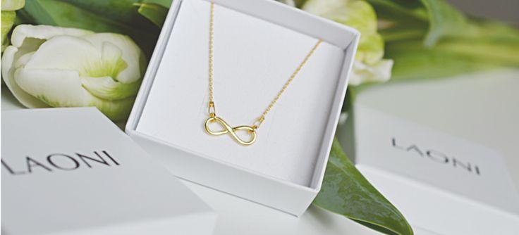Nie masz pomysłu na prezent dla dziewczyny? Przychodzimy z pomocą: http://laoni.pl/pomysl-na-prezent-dla-dziewczyny