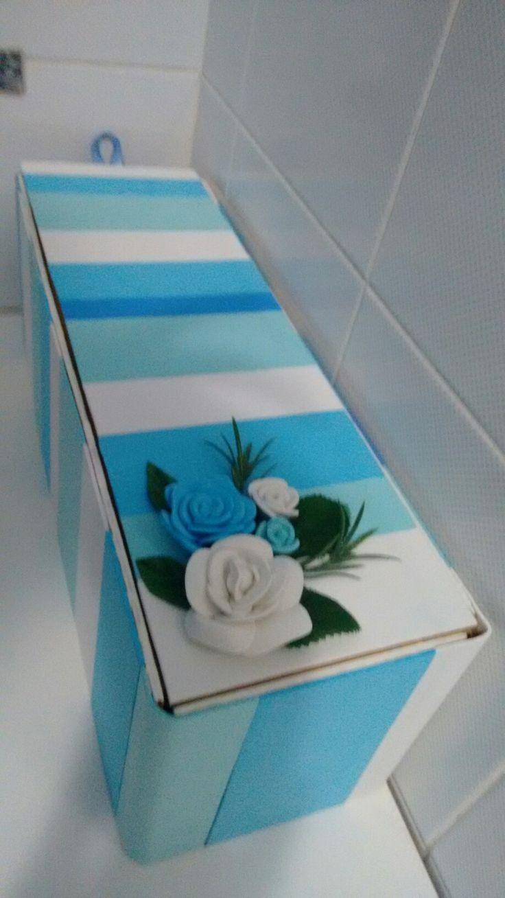 DIY Scatola portaoggetti Realizzata con scatola vino in legno e gomma crepla