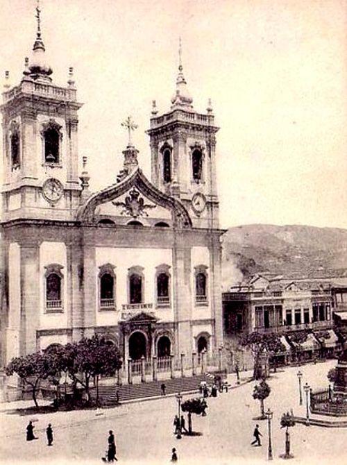 Igreja de São Francisco de Paula: O máximo da vanguarda neo-barroca -  Postado na data de 28/7/2013