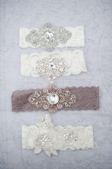 vintage inspired garters...yeeesssss.