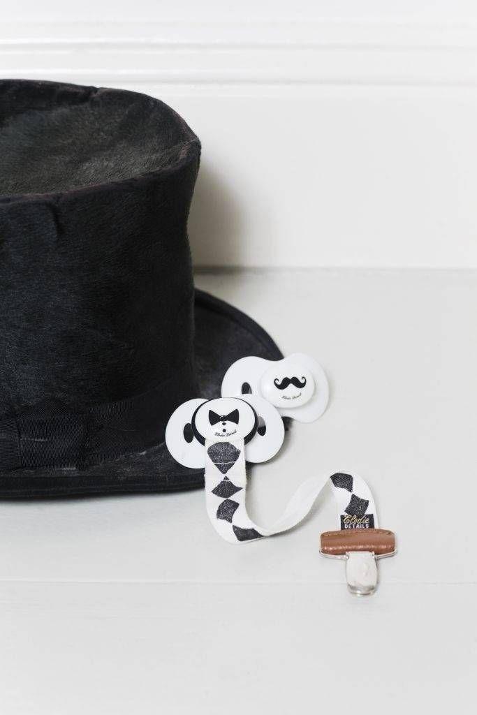 Elodie Details speenketting met snorrenprint Mustache - Ikbenzomooi.nl