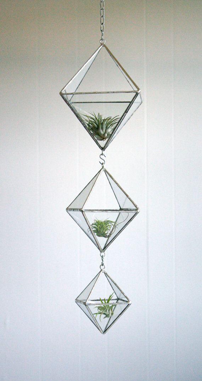 Terrarium en verre recyclé de vitraux par Crystallographie sur Etsy