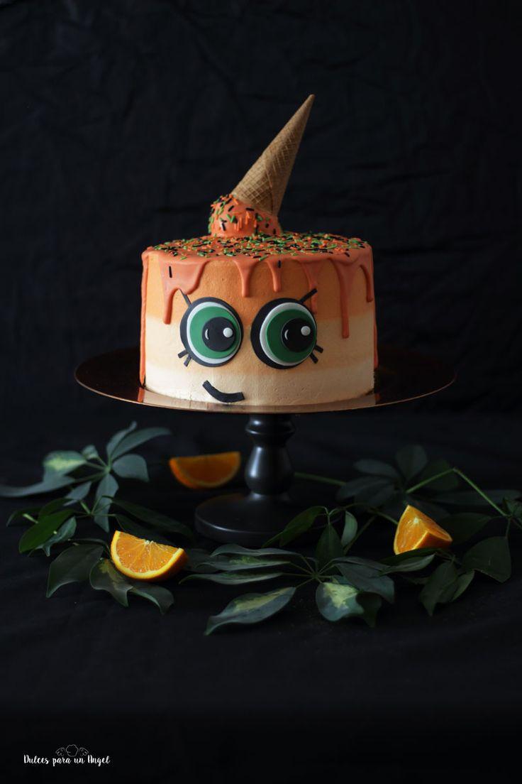 Hola! Con esta tarta quiero celebrar muchas cosas, primero el 4º año del blog. Cuatro años publicando recetas y fotos cada semana. Normalmen...