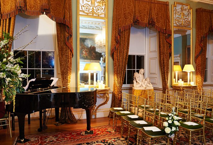 The Dining Room at Spencer House is an excellent setting for receptions, recitals, presentations and wedding ceremonies in London.