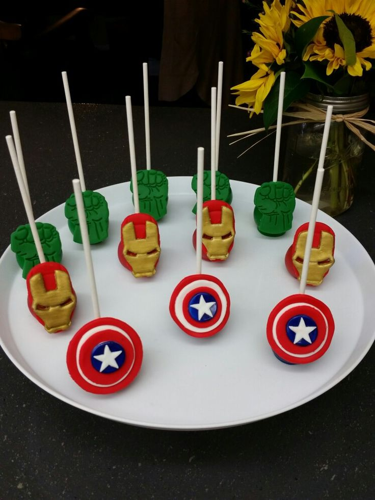 1000 ideas about superhero cake pops on pinterest