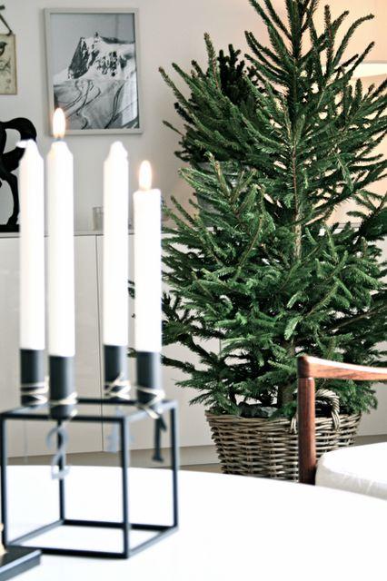 Via Studio Karin | A Nordic Christmas | Black and White | By Lassen