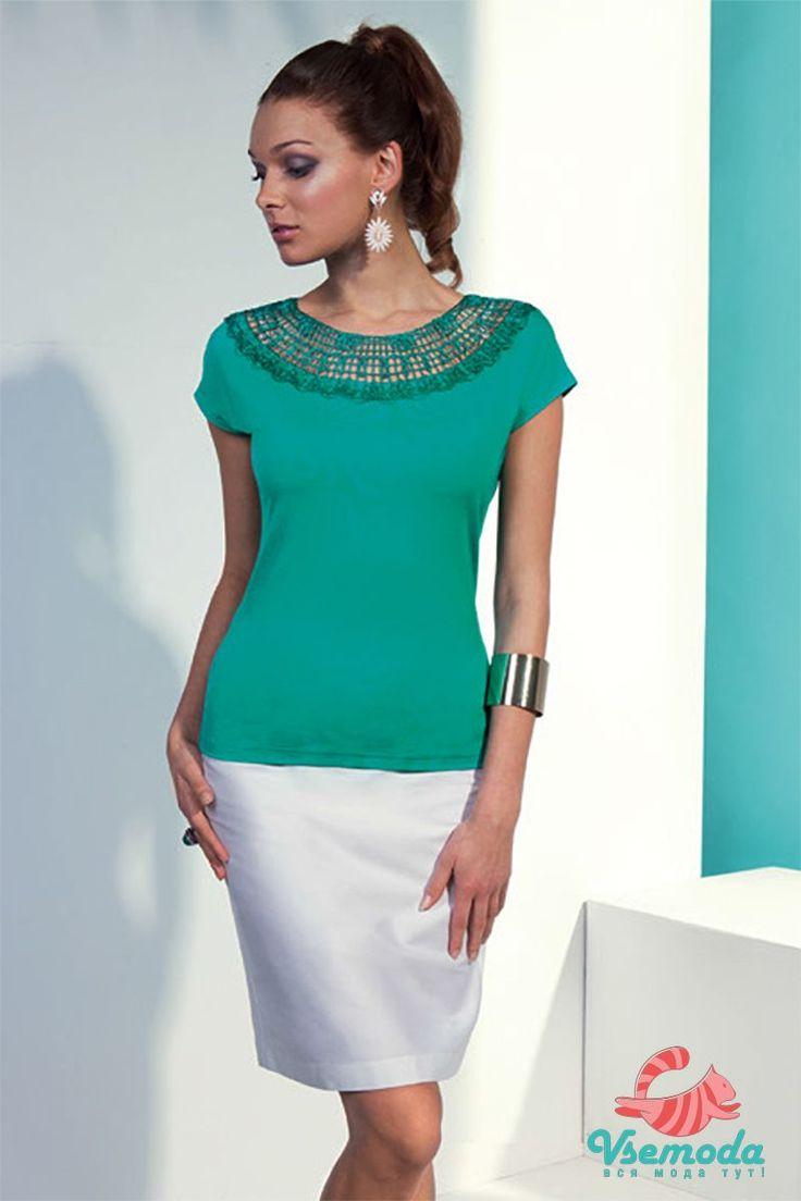 Блузка N49-2 Фирма производитель: Sunwear Страна производитель: Польша Артикул: N49-2 Размер: 44-54 Состав: 95% вискоза, 5% эластан