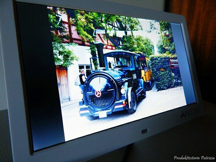 """Andoer 10 """"HD Widescreen LCD-Digital-Foto-Bilderrahmen 👌  #Anzeige / #Werbung   Bisher habe ich die besonderen Bilder immer ausdrucken lassen und in Bilderrahmen an die Wand gehängt. Da wir ja nicht auf der Stelle stehen bleiben wollen - egal in welchem Alter - fand ich dieses Produkt sehr interessant...."""