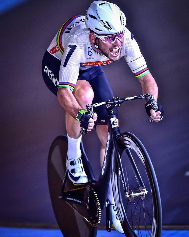 Mark Cavendish in full flight at the Six Day London 2016 pic Arne Mill