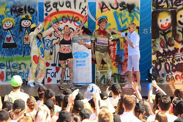 Ellen's Melbourne fans get excited.