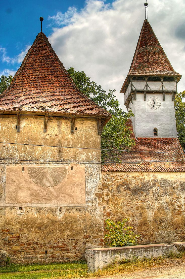 https://flic.kr/p/uMkTDm   Biserica fortificata Cincsor