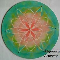 Mandala semilla de la vida. Acrílicos sobre madera. Autor: Alejandra Aravena