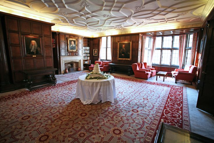 Use the Prince's Room for the cake cutting, an intimate space where your guests can relax after the meal