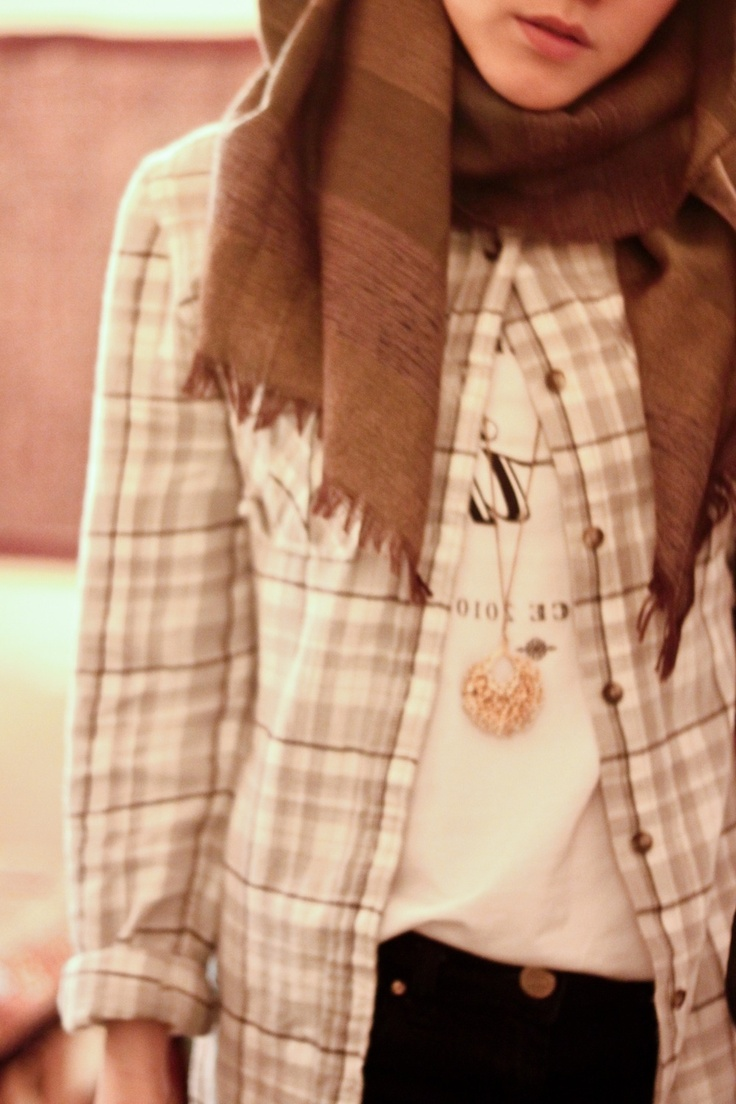 Hijab and plaid, my favorite casual and comfy pieces.
