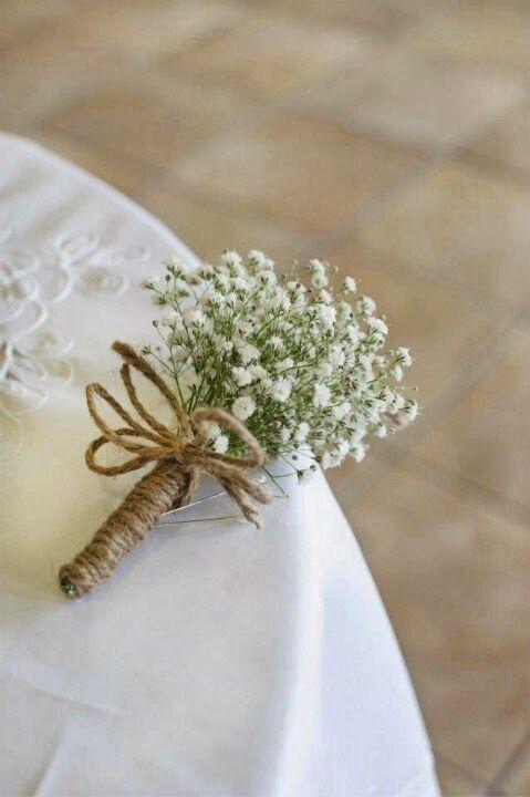 Au royaume du mariage, il existe des fleurs qui règnent en maître.  Je veux parler du gypsophile .     Photo - The Nickersons    Après avo...