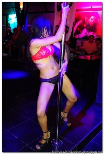 Penari Striptis di Club Malam Jakarta | KELAKUAN ABG