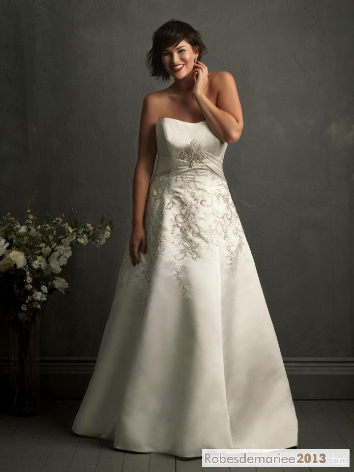 Fabulous A-line bretelles broderie chapelle Floor-length Taille Plus robe de mariée