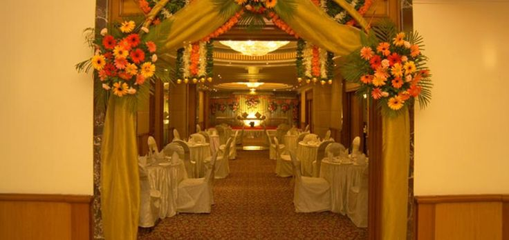 Check out Hotel Parle International for your wedding- Vile Parle's premier wedding banquet - #weddingvenue #weddingz #parleinternational #indoorvenuedecor #banquethalls #banquethallsinvileparle #vileparle #bestweddingvenue #weddingvenuesinvileparle #topweddingvenues #banquethallsvileparle #fivestarweddingvenues #topfivestarthotels | weddingz.in | India's Largest Wedding Company | Wedding Venues, Vendors and Inspiration |