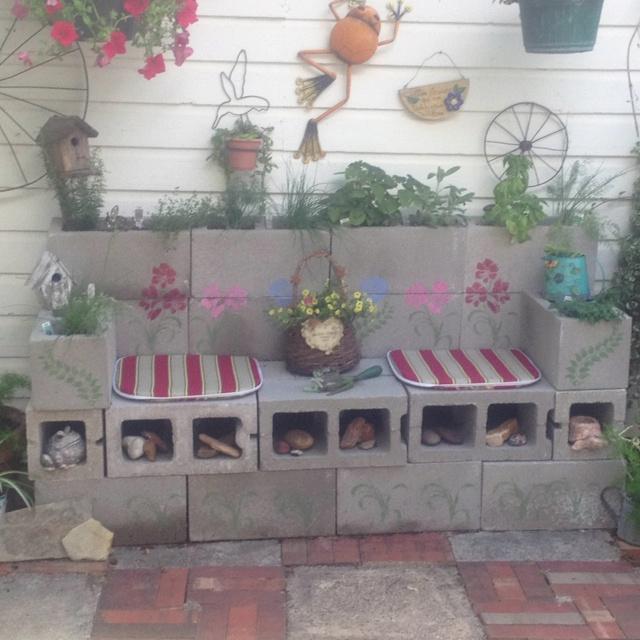 DIY cinder block herb garden bench