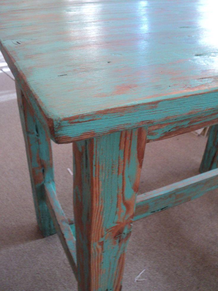 Mesa auxiliar en pinotea maciza decape verde aqua decape for Pintura de muebles de madera