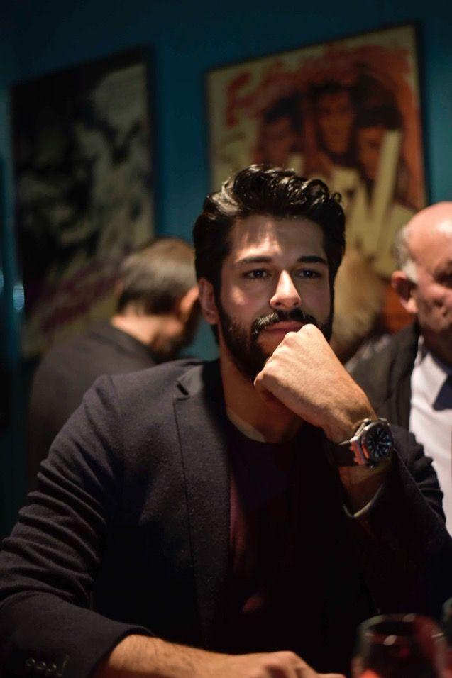 Son 3 gün !  Burak Özçivit ile Fahriye Evcen'in başrollerini paylaştığı Aşk Sana Benzer filminin29 Ocak Perşembe günü Bakü'de gerçekleşecek galasına çok az kaldı ..  http://nizamicinema.az/
