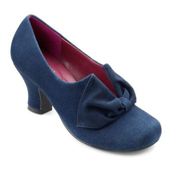 Donna in Navy - Autumn 2014 - Women's Heels #heels #navy  My new favourite shoe! stylish and comfy, great retro look to match with the lovelies we sell