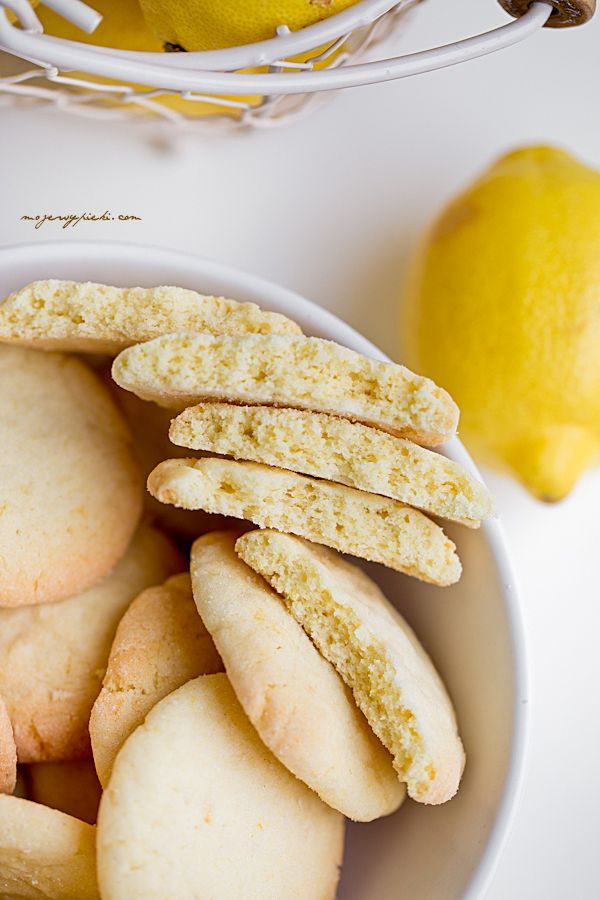The Best Lemon Cookies!