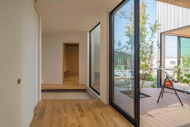 家族を繋ぐ中庭と個性的な外観の家・間取り(愛知県日進市)   注文住宅なら建築設計事務所 フリーダムアーキテクツデザイン