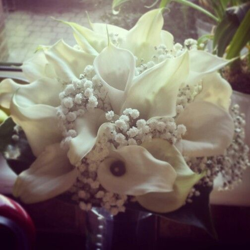 Calla lily and gypsophila bouquet