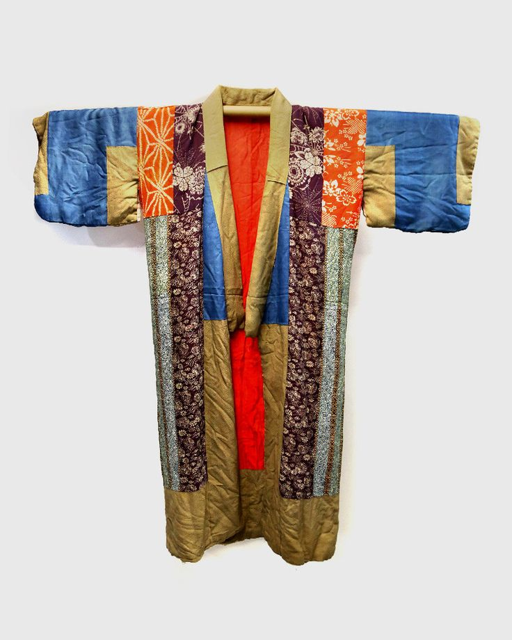 """Vintage Kimono, a traditional Japanese robe for both men and women. Worn as an undergarment and overgarment. The word Kimono means """"things to wear"""". These T-shaped robes are wrapped around your body,"""
