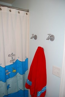 Dr. Suess Bathroom- cute!